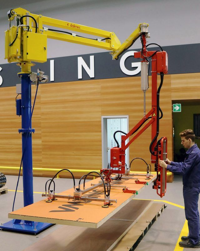 Pneumatic Lifting Arms : Lifting arm for panels handling dalmec pneumatic manipulator