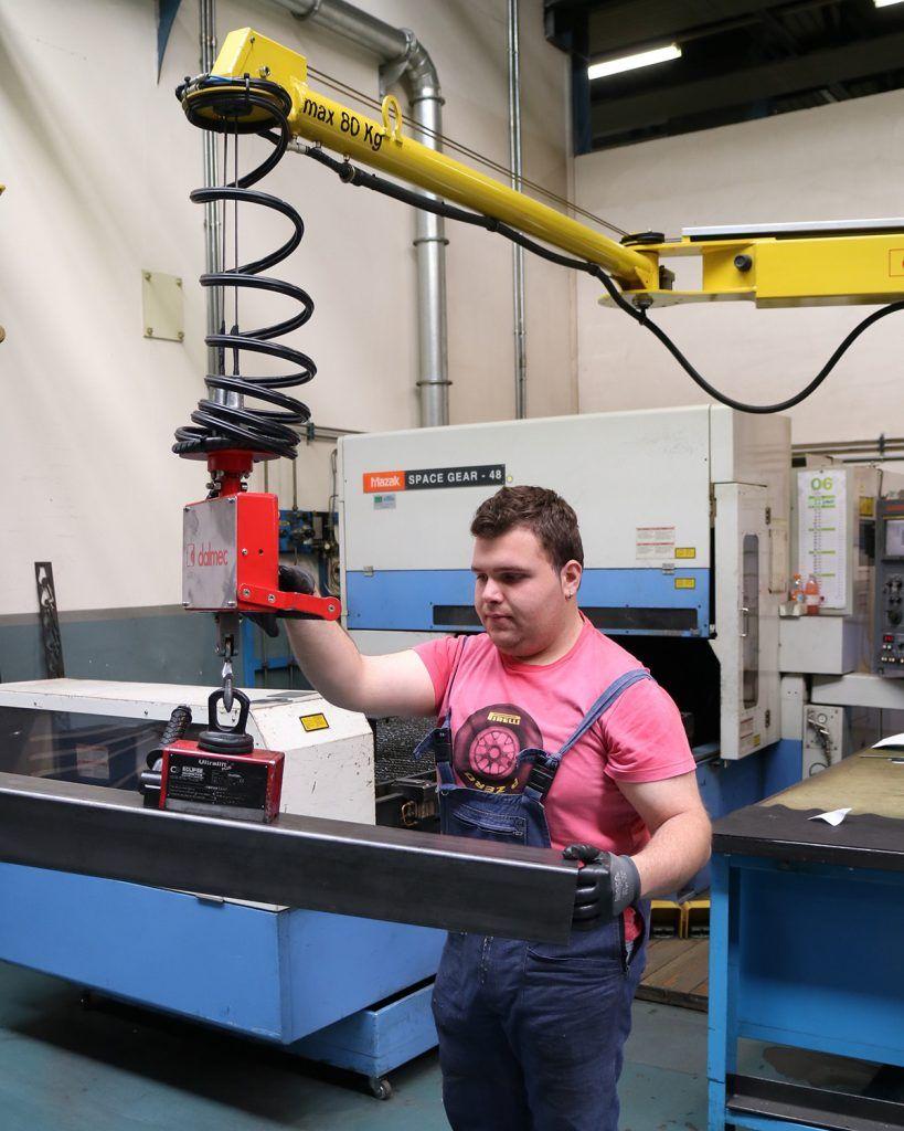 Manipulator równoważący ciężar Posifil na podwójnych linkach stalowych - Manipulatory DALMEC (11)