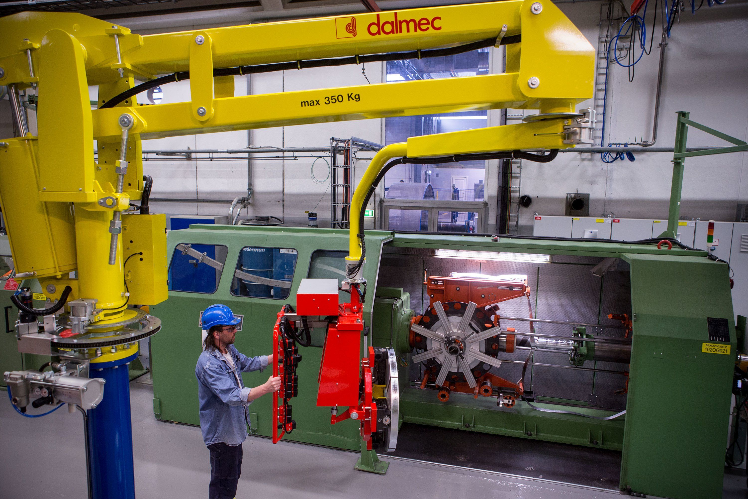 Manufacturing Lift Assist : Lift assist device for rolls of metallic banding