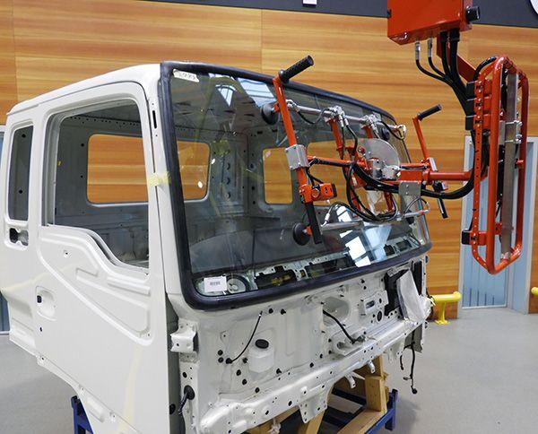 System montażu na desce rozdzielczej - System montażu szyby przedniej  - Manipulatory DALMEC (3)