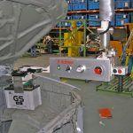 Przemieszczanie akumulatorów - Manipulatory dla branży samochodowej - Manipulatory DALMEC (3)