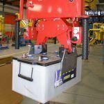 Przemieszczanie akumulatorów - Manipulatory dla branży samochodowej - Manipulatory DALMEC (8)