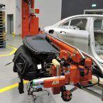 Przemieszczanie desek rozdzielczych - Branży samochodowej - Manipulatory DALMEC (3)