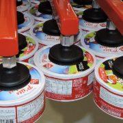 Przemieszczanie sera w opakowaniu lub bez - Manipulator Dalmec - Manipulatory DALMEC (2)